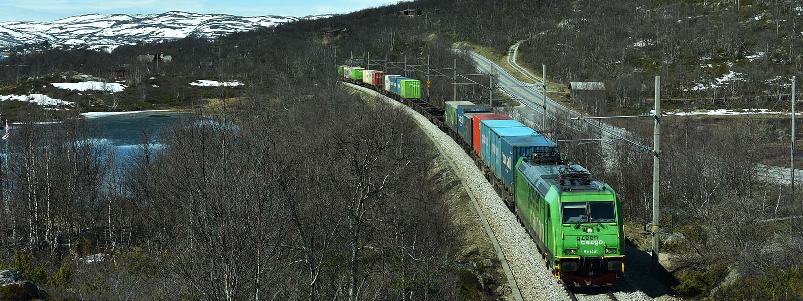 GreenCargo freight train near Geilo at Bergen railway line (© Njål Svingheim, Norwegian Railway Directorate)