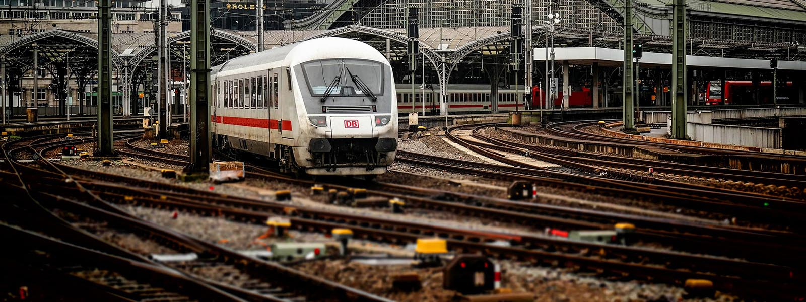 CGI of new Talgo Trainset for Deutsche Bahn international operations (© Deutsche Bahn AG / Tricon AG)
